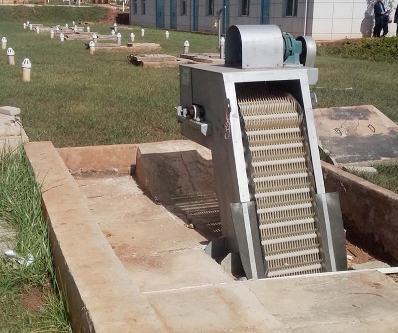 地埋式污水处理站一角